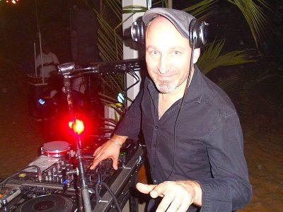 DJ CLICK : Bar-plage : The Jungle Beach Bar à Awale Plage