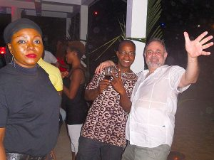 Serge - Sergent Marcus : Bar-plage : The Jungle Beach Bar à Awale Plage