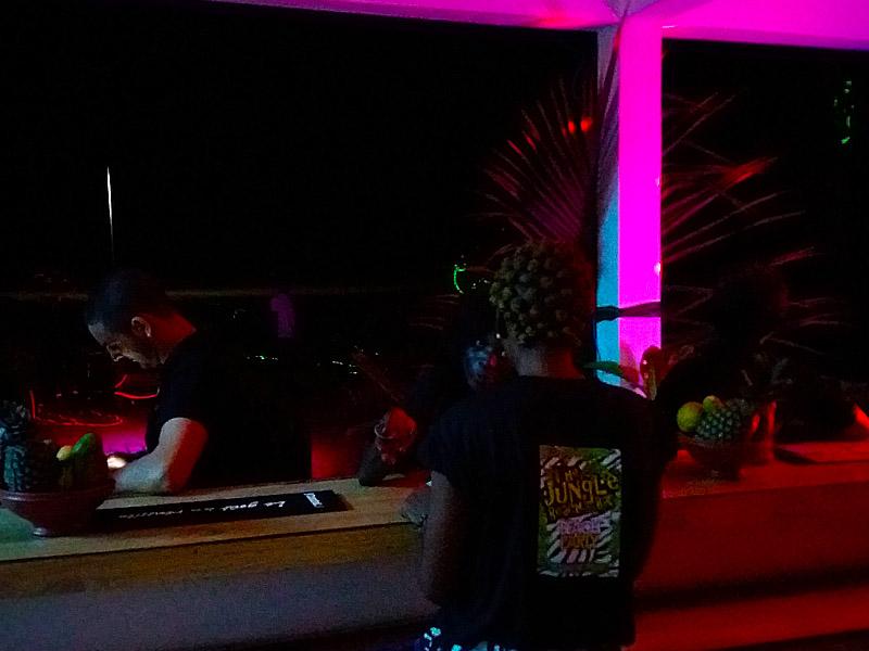 Bar-plage-grand-popo-benin-jungle-beach-bar-electro-tribal