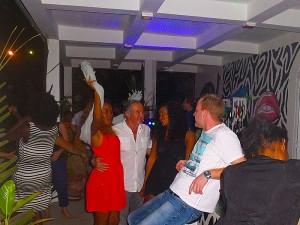 Bar-plage-grand-popo-benin-jungle-beach-bar-disco-danse